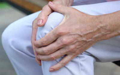 Mesenchymal Stem Cells Improve Rheumatoid Arthritis Progression by Controlling Me